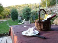 gîte la fournarie - repas en terrasse